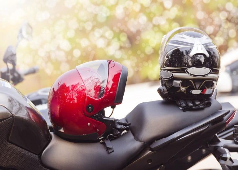 Cara Dan Tips Bisnis Cuci Helm Untuk Pemula, Modal Kecil Loh!
